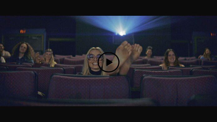 Video of Margot Robbie's feet. The soles of Margot Robbie's feet