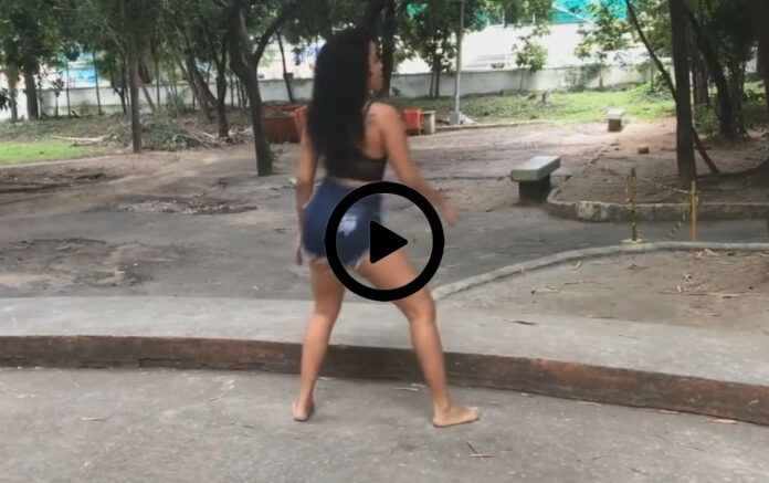 Foot Fetish Tube Videos, Feet of women, feet of girls, barefoot girls, women without shoes, soles of women's feet, foot fetish